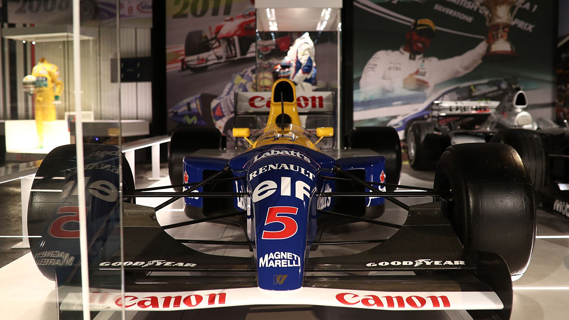 Formula 1 vehicle at UK attraction The Silverstone Experience